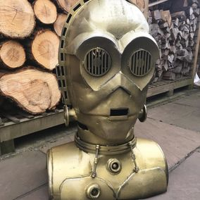 C3P0...Quite possibly the worlds second favourite droid?