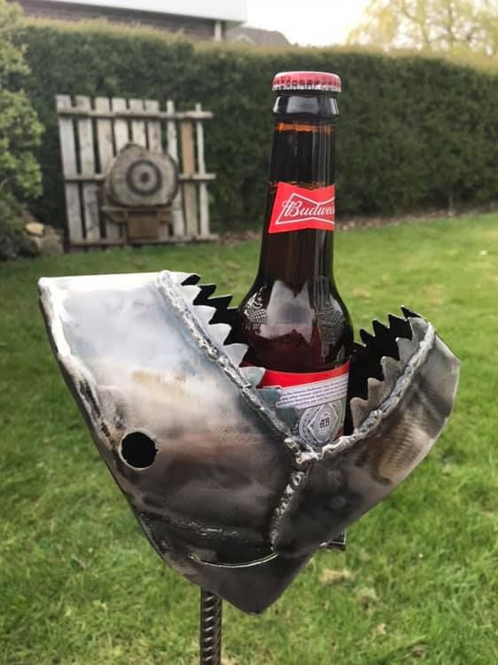 JAWS LAWN DRINKS HOLDERS